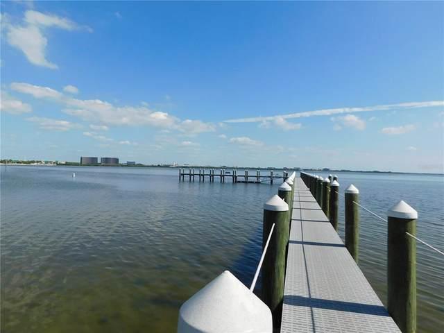 5306 Bay Club Circle #5306, Tampa, FL 33607 (MLS #T3336999) :: Pristine Properties