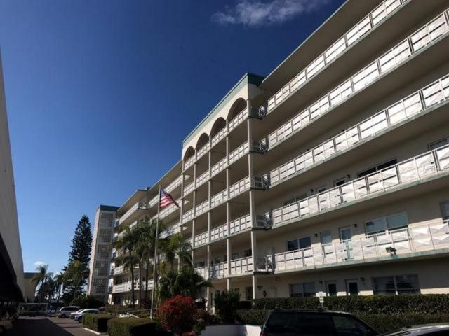 2960 59TH Street S #301, Gulfport, FL 33707 (MLS #U7848072) :: Gate Arty & the Group - Keller Williams Realty
