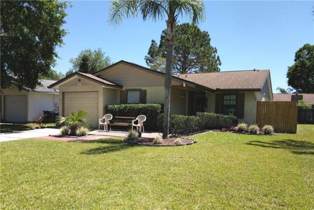 211 Lake Charles Court, Oldsmar, FL 34677 (MLS #U8001278) :: Revolution Real Estate