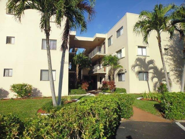 5250 Las Verdes Circle #121, Delray Beach, FL 33484 (MLS #U8027381) :: Premium Properties Real Estate Services