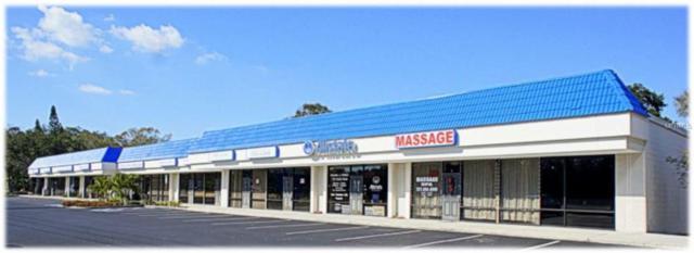 800 E Bay Drive, Largo, FL 33770 (MLS #U8047758) :: Burwell Real Estate