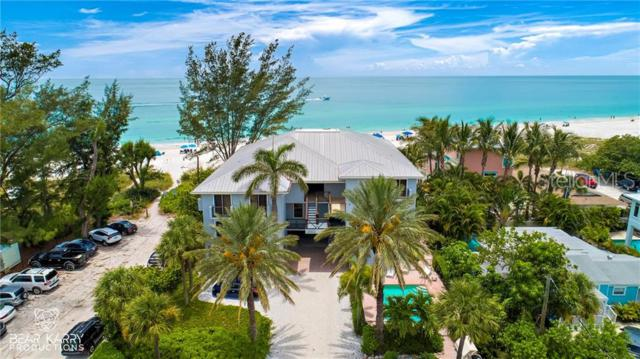 3302 Gulf Drive #103, Holmes Beach, FL 34217 (MLS #U8049441) :: The Comerford Group