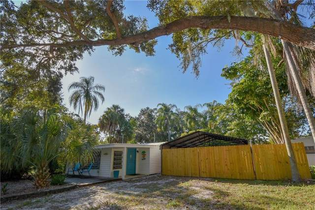 945 Brookwood Drive S, St Petersburg, FL 33707 (MLS #U8066082) :: Delgado Home Team at Keller Williams