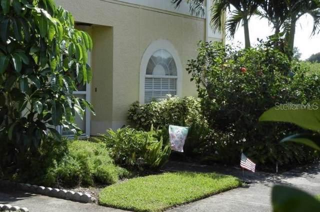 1542 Chateaux De Ville Court, Clearwater, FL 33764 (MLS #U8066315) :: Zarghami Group