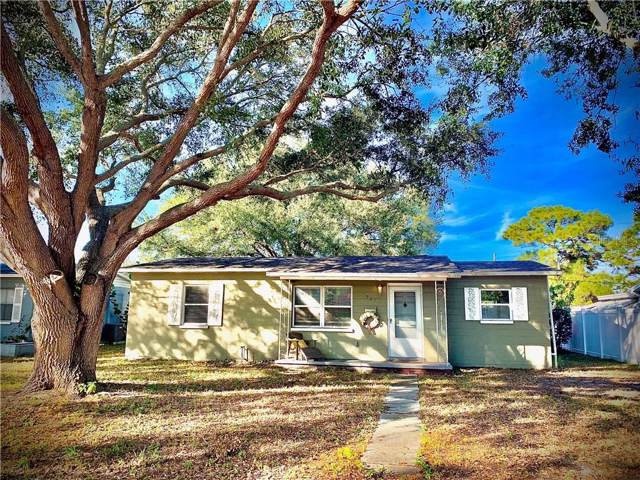 521 40TH Avenue NE, St Petersburg, FL 33703 (MLS #U8067773) :: The Duncan Duo Team