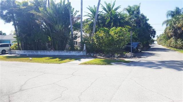 35 Juniper Way, Clearwater, FL 33767 (MLS #U8078594) :: The Duncan Duo Team
