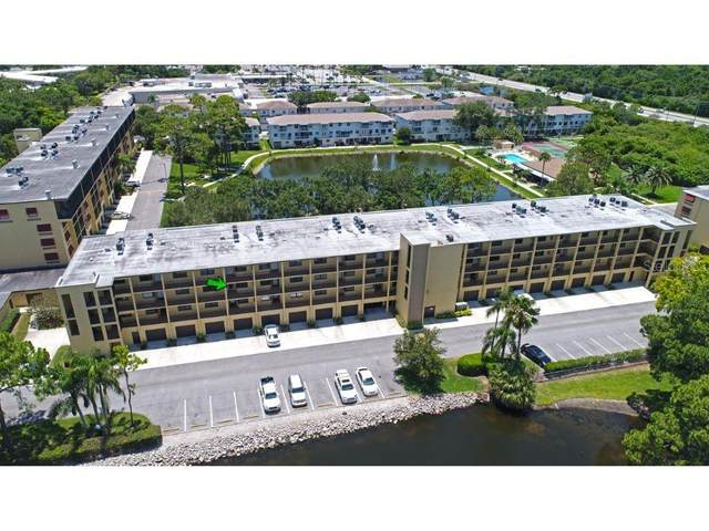 5817 Park Street N #303, St Petersburg, FL 33709 (MLS #U8085612) :: Keller Williams Realty Peace River Partners