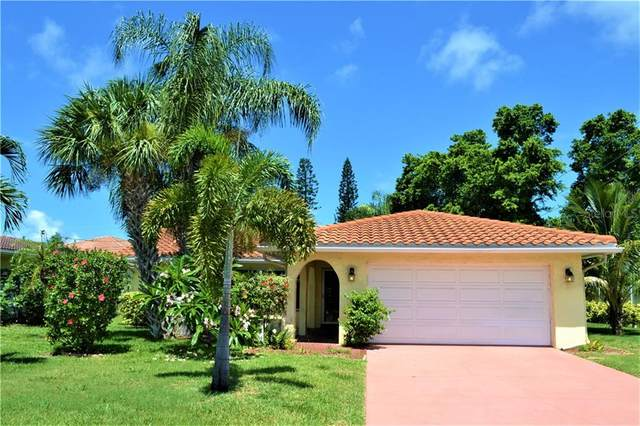 1040 Spruce Drive, Belleair Beach, FL 33786 (MLS #U8088814) :: The Figueroa Team
