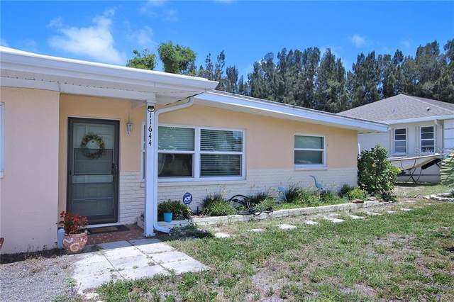 11644 Currie Lane, Largo, FL 33774 (MLS #U8089140) :: Heart & Home Group