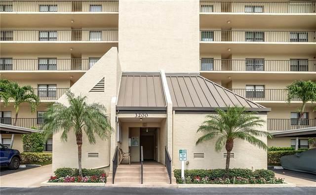 3200 Cove Cay Drive 6C, Clearwater, FL 33760 (MLS #U8089549) :: Heart & Home Group