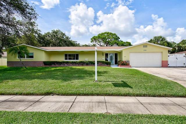 5581 80TH Place N, Pinellas Park, FL 33781 (MLS #U8089586) :: The Duncan Duo Team