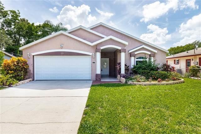 1735 W Manor Avenue, Clearwater, FL 33765 (MLS #U8090472) :: Premium Properties Real Estate Services