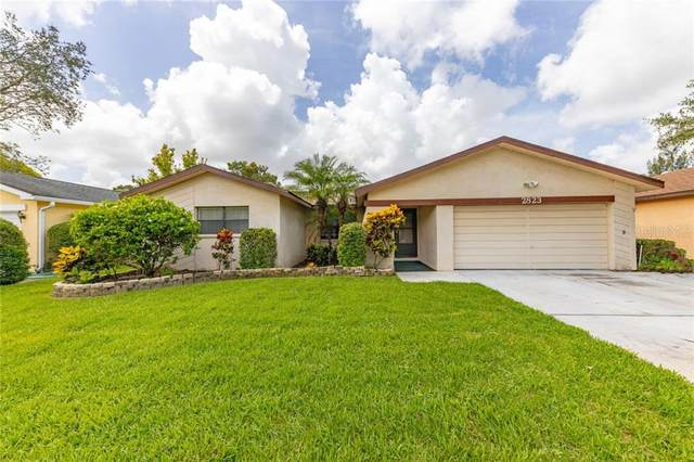 2823 Eagle Run Circle N, Clearwater, FL 33760 (MLS #U8090533) :: Dalton Wade Real Estate Group