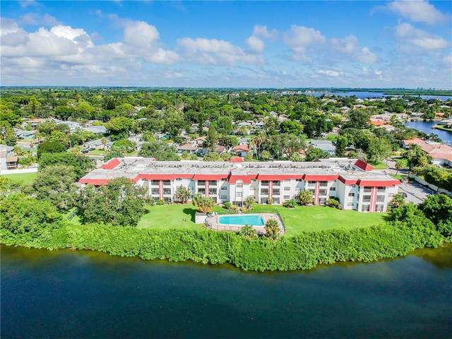 1860 Massachusetts Avenue NE #322, St Petersburg, FL 33703 (MLS #U8098390) :: Florida Real Estate Sellers at Keller Williams Realty