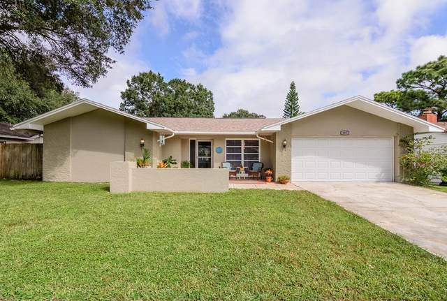 107 Lotus Circle, Safety Harbor, FL 34695 (MLS #U8099520) :: Team Borham at Keller Williams Realty