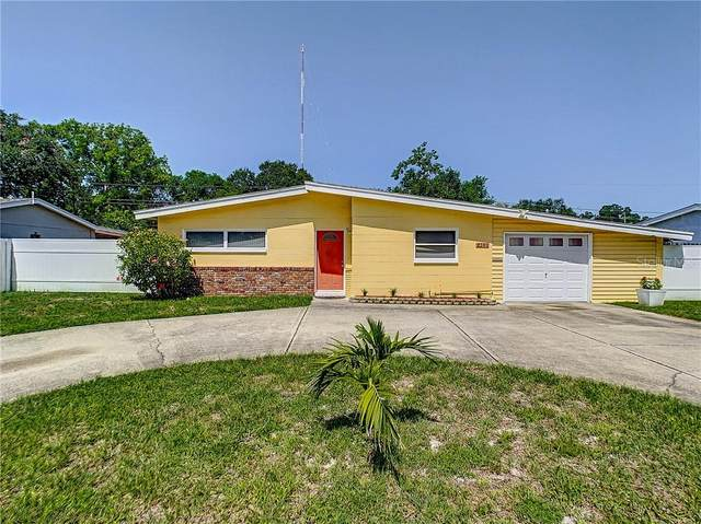 8340 Pelican Lane, Largo, FL 33777 (MLS #U8102581) :: Griffin Group