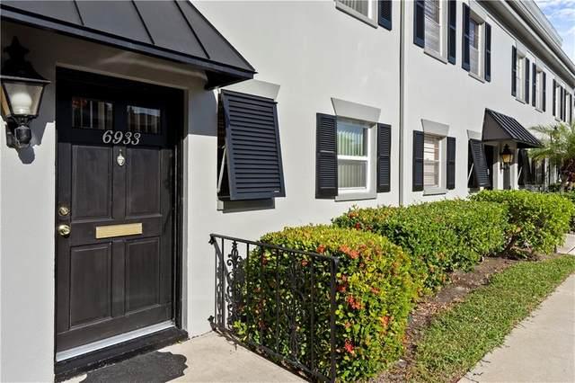 6933 Place De La Paix #6933, South Pasadena, FL 33707 (MLS #U8105456) :: Pristine Properties