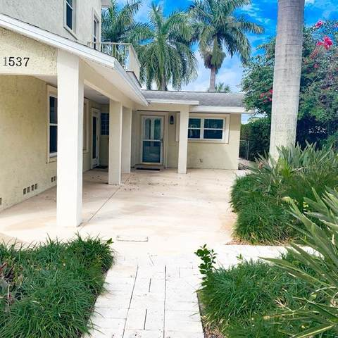 1537 Carson Circle NE, St Petersburg, FL 33703 (MLS #U8109493) :: Bob Paulson with Vylla Home