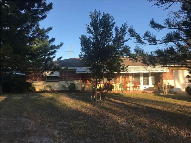 685 Manor Drive W, Dunedin, FL 34698 (MLS #U8110563) :: Everlane Realty