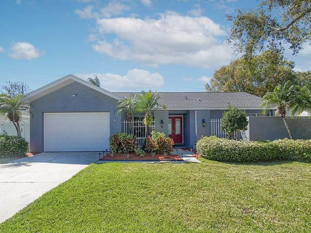 2984 Clubhouse Drive W, Clearwater, FL 33761 (MLS #U8115384) :: Delta Realty, Int'l.