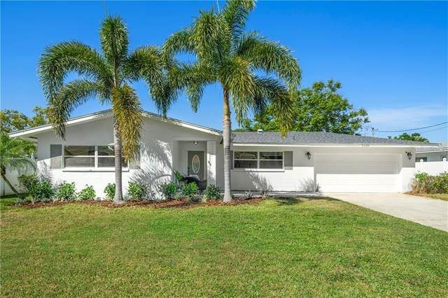 5124 Huntington Street NE, St Petersburg, FL 33703 (MLS #U8119218) :: The Lersch Group