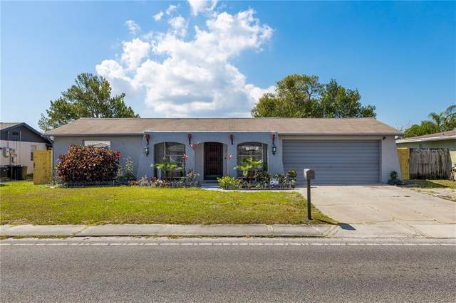 3300 Holiday Lake Drive, Holiday, FL 34691 (MLS #U8119386) :: Griffin Group