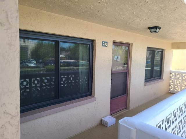 5080 Locust Street NE #235, St Petersburg, FL 33703 (MLS #U8120543) :: Coldwell Banker Vanguard Realty