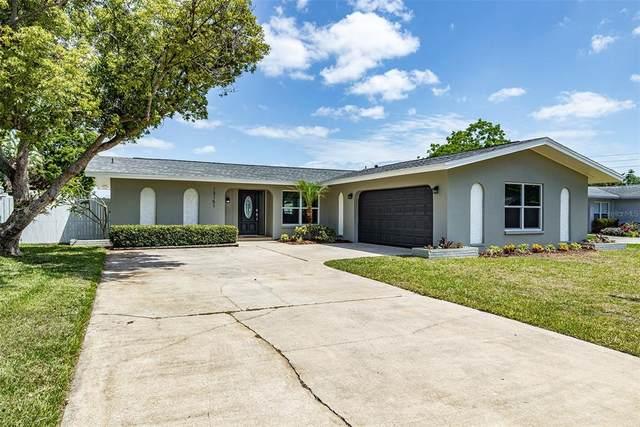 13151 87TH Place, Seminole, FL 33776 (MLS #U8121033) :: Heckler Realty