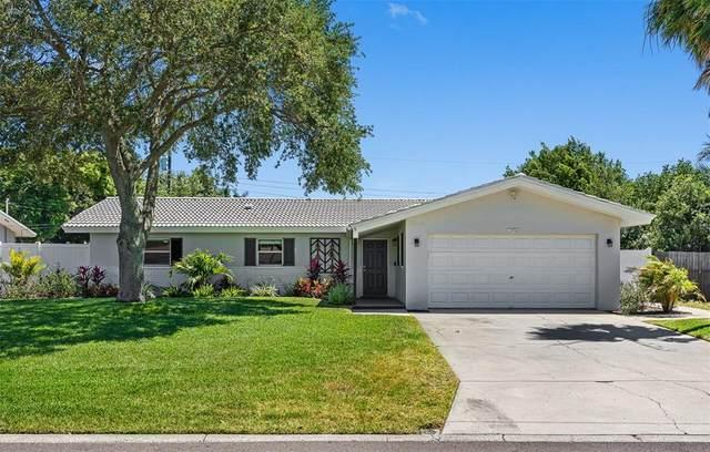13766 Montego Drive, Seminole, FL 33776 (MLS #U8122145) :: Griffin Group