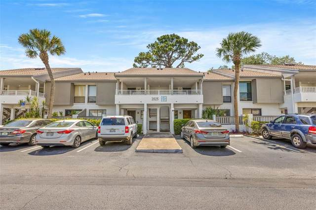 2025 Lakewood Club Drive S 5-F, St Petersburg, FL 33712 (MLS #U8123043) :: The Duncan Duo Team