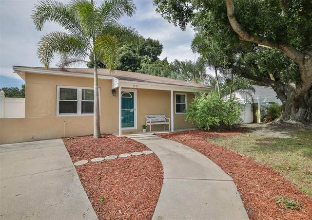 3927 W Bay Vista Avenue, Tampa, FL 33611 (MLS #U8125767) :: Delgado Home Team at Keller Williams