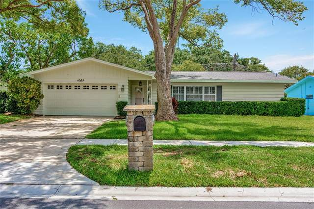 1363 Whispering Pines Drive, Clearwater, FL 33764 (MLS #U8126771) :: Delgado Home Team at Keller Williams