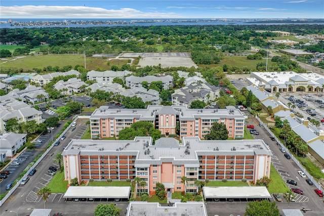 6800 20TH Avenue N #103, St Petersburg, FL 33710 (MLS #U8129426) :: Sarasota Home Specialists