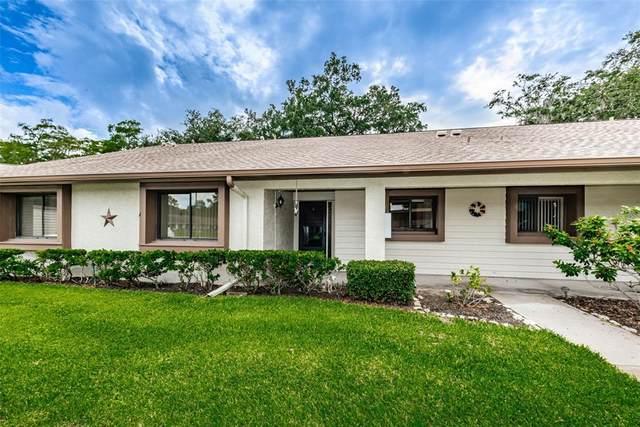 2572 Laurelwood Drive 12-B, Clearwater, FL 33763 (MLS #U8130974) :: Frankenstein Home Team