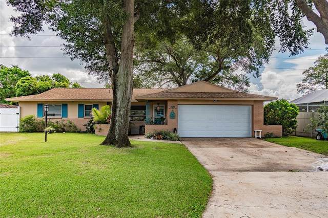1494 Dartmouth Drive, Clearwater, FL 33756 (MLS #U8131729) :: Realty Executives