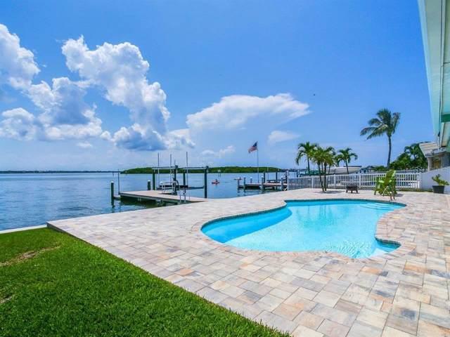 537 Johns Pass Avenue, Madeira Beach, FL 33708 (MLS #U8131765) :: The Hustle and Heart Group