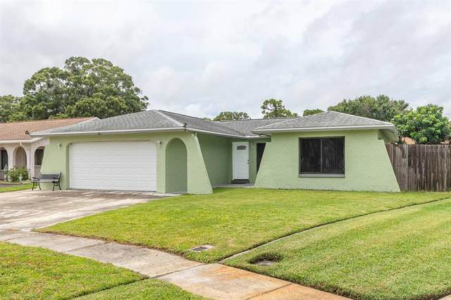 9119 85TH Avenue, Largo, FL 33777 (MLS #U8132060) :: The Hustle and Heart Group