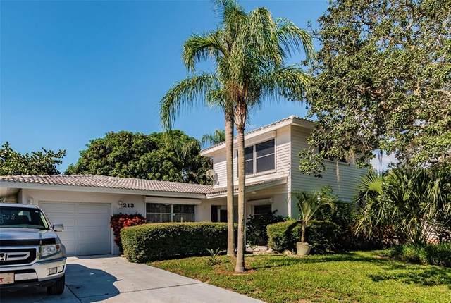 213 Westwinds Drive, Palm Harbor, FL 34683 (MLS #U8132163) :: Delgado Home Team at Keller Williams