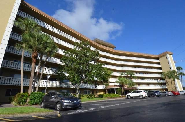 8950 Park Boulevard #703, Seminole, FL 33777 (MLS #U8132283) :: The Hesse Team