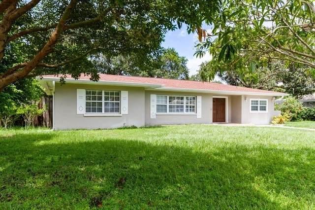1736 Golf View Drive, Belleair, FL 33756 (MLS #U8135530) :: RE/MAX Local Expert