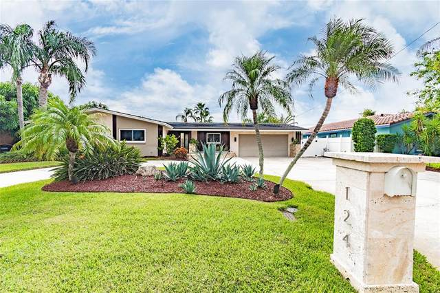 124 Windward Island, Clearwater, FL 33767 (MLS #U8135785) :: Future Home Realty