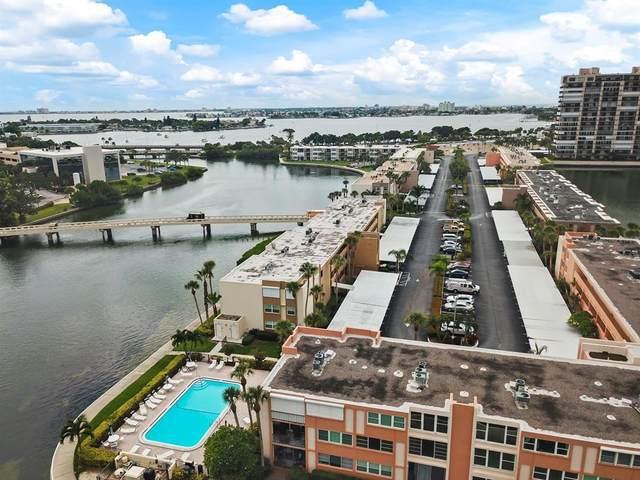 7465 Bay Island Drive S #114, South Pasadena, FL 33707 (MLS #U8136939) :: Vacasa Real Estate