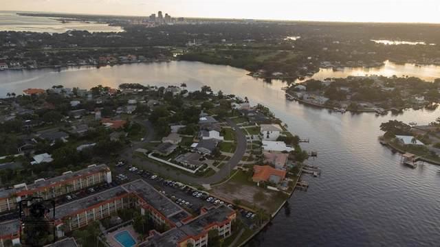 901 Eden Isle Drive NE, St Petersburg, FL 33704 (MLS #U8139904) :: Cartwright Realty