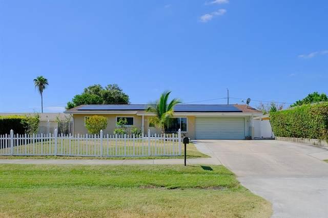 2036 N Highland Avenue, Clearwater, FL 33755 (MLS #U8140162) :: Pristine Properties