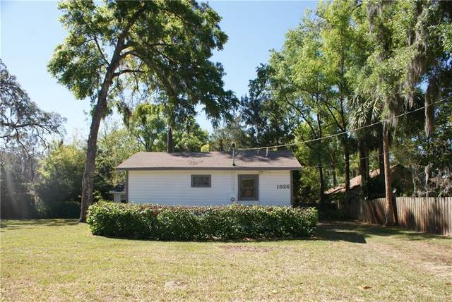 1926 Salvadore Street, Deland, FL 32720 (MLS #V4915612) :: Team Bohannon Keller Williams, Tampa Properties
