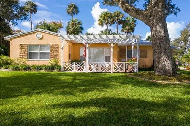 322 N Riverside Drive, Edgewater, FL 32132 (MLS #V4916116) :: Florida Life Real Estate Group
