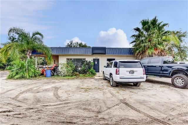 1635 N Garfield Avenue, Deland, FL 32724 (MLS #V4916784) :: Florida Life Real Estate Group