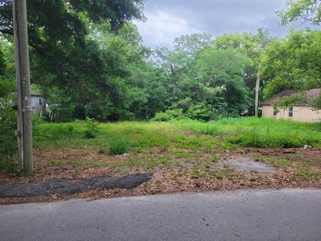 7915 Albania Avenue, Orlando, FL 32810 (MLS #V4918734) :: Armel Real Estate
