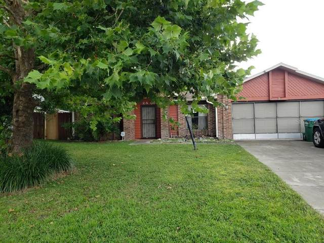 2409 Laredo Drive, Deltona, FL 32738 (MLS #V4920793) :: The Truluck TEAM