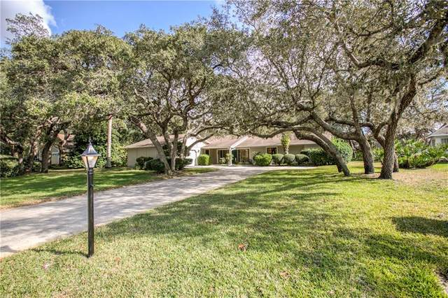 4566 Lake In The Woods Drive, Spring Hill, FL 34607 (MLS #W7830176) :: Godwin Realty Group
